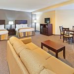 Holiday Inn Express Blowing Rock South executive suite