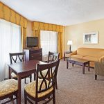 Holiday Inn Express Blowing Rock South executive suite living area