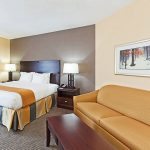 Holiday Inn Express Blowing Rock South suite with sofa bed